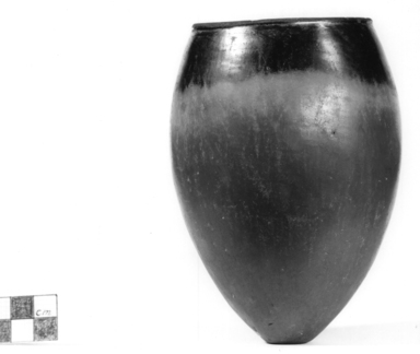 <em>Ovoid Jar</em>, ca. 3800-3500 B.C.E. or ca. 3500-3300 B.C.E. Clay, 5 1/2 x Diam. 3 15/16 in. (13.9 x 10 cm). Brooklyn Museum, Charles Edwin Wilbour Fund, 07.447.345. Creative Commons-BY (Photo: Brooklyn Museum, CUR.07.447.345_NegA_print_bw.jpg)