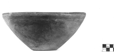 <em>Bowl</em>, ca. 3800-3300 B.C.E. Clay, 4 3/16 x Diam. 9 1/2 in. (10.7 x 24.2 cm). Brooklyn Museum, Charles Edwin Wilbour Fund, 07.447.360. Creative Commons-BY (Photo: Brooklyn Museum, CUR.07.447.360_NegA_print_bw.jpg)