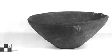 <em>Bowl</em>, ca. 3500-3300 B.C.E. Clay, 3 1/4 x Diam. 8 5/16 in. (8.2 x 21.1 cm). Brooklyn Museum, Charles Edwin Wilbour Fund, 07.447.362. Creative Commons-BY (Photo: Brooklyn Museum, CUR.07.447.362_NegA_print_bw.jpg)