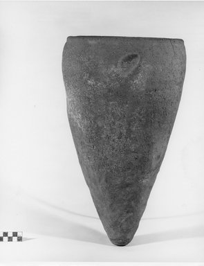 <em>Storage Pot</em>, ca. 3500-3300 B.C.E. Clay, 16 15/16 x Diam. 10 1/16 in. (43 x 25.6 cm). Brooklyn Museum, Charles Edwin Wilbour Fund, 07.447.396. Creative Commons-BY (Photo: Brooklyn Museum, CUR.07.447.396_negA_print.jpg)
