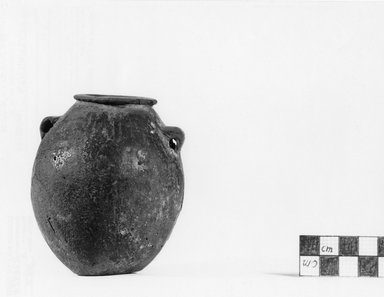 <em>Globular Jar</em>, ca. 3500-3300 B.C.E. Clay, 3 9/16 x 3 1/8 in. (9 x 7.9 cm). Brooklyn Museum, Charles Edwin Wilbour Fund, 07.447.429. Creative Commons-BY (Photo: Brooklyn Museum, CUR.07.447.429_negA_print.jpg)