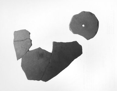 <em>5 Ostrich Shell Fragments</em>. Shell, 07.447.776a: 1/16 x 1 x 1 1/16 in. (0.2 x 2.5 x 2.7 cm). Brooklyn Museum, Charles Edwin Wilbour Fund, 07.447.776a-e. Creative Commons-BY (Photo: Brooklyn Museum, CUR.07.447.776a-e_NegA_print_bw.jpg)