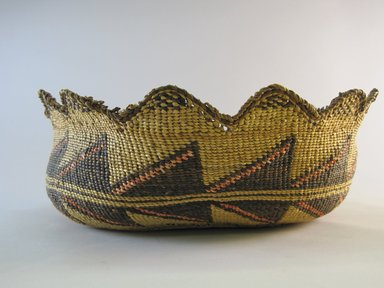 Klamath. <em>Basket with scalloped edge</em>. Fiber, 4 3/4 × 11 7/8 × 11 1/4 in. (12 × 30.2 × 28.6 cm). Brooklyn Museum, By exchange, 07.468.9321. Creative Commons-BY (Photo: Brooklyn Museum, CUR.07.468.9321.jpg)