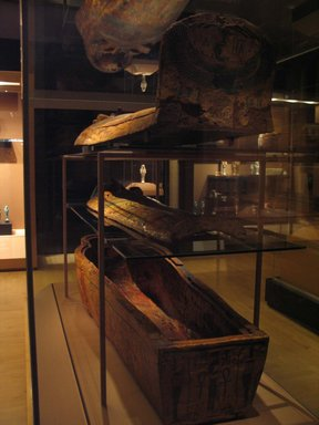 <em>Coffin and Mummy Board of Pasebakhaemipet</em>, ca. 1070-945 B.C.E. Wood, pigment, 12 5/8 x 21 5/8 x 76 3/8 in. (32 x 55 x 194 cm). Brooklyn Museum, Charles Edwin Wilbour Fund, 08.480.2a-c. Creative Commons-BY (Photo: Brooklyn Museum, CUR.08.480.2a-c_view2_mummychamber.jpg)