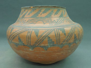 She-we-na (Zuni Pueblo). <em>Water Jar or Bowl</em>, 1895. Clay, pigment, 8 1/2 x 11 1/2 in. (21.6 x 29.2 cm). Brooklyn Museum, Museum Expedition 1908, Museum Collection Fund, 08.491.8969. Creative Commons-BY (Photo: Brooklyn Museum, CUR.08.491.8969.jpg)
