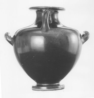 Greek. <em>Red-Figure Hydria</em>, 440-430 B.C.E. Clay, slip, 9 7/8 × 10 3/8 in. (25.1 × 26.4 cm). Brooklyn Museum, Gift of Robert B. Woodward, 09.1. Creative Commons-BY (Photo: Brooklyn Museum, CUR.09.1_NegB_print_bw.jpg)