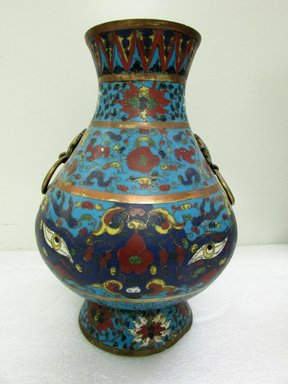 <em>Large Vase</em>, 1368-1644. Cloisonné enamel on copper alloy, 13 3/8 x 9 7/16 in. (34 x 24 cm). Brooklyn Museum, Gift of Samuel P. Avery, 09.471. Creative Commons-BY (Photo: Brooklyn Museum, CUR.09.471.jpg)