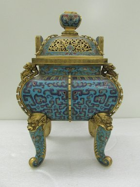 <em>Incense Burner and Cover</em>, 18th century. Cloisonné enamel on copper alloy, 15 15/16 x 7 9/16 x 1/2 x 10 5/8 in. (40.5 x 19.2 x 1.3 x 27 cm). Brooklyn Museum, Gift of Samuel P. Avery, 09.495a-c. Creative Commons-BY (Photo: Brooklyn Museum, CUR.09.495a-c_overall.jpg)