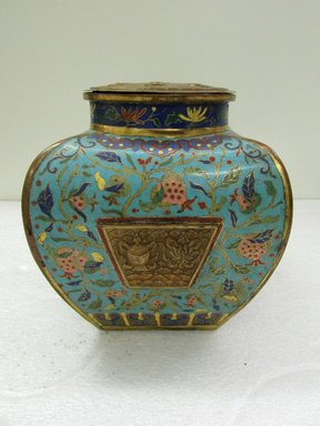 <em>Medium sized Quadrilateral Vase and Cover</em>, 18th century. Cloisonné enamel on copper alloy, 9 5/8 x 7 15/16 in. (24.5 x 20.2 cm). Brooklyn Museum, Gift of Samuel P. Avery, 09.597. Creative Commons-BY (Photo: Brooklyn Museum, CUR.09.597_view1.jpg)