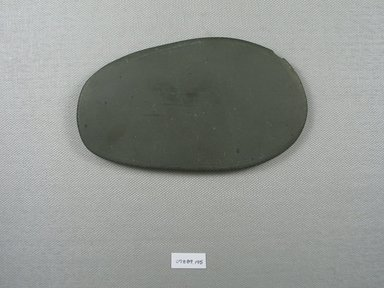 <em>Oblong Palette</em>, ca. 4400-3100 B.C.E. Slate, 3 1/16 x 1/4 x 5 1/2 in. (7.8 x 0.7 x 13.9 cm). Brooklyn Museum, Charles Edwin Wilbour Fund, 09.889.195. Creative Commons-BY (Photo: Brooklyn Museum, CUR.09.889.195_overall.jpg)