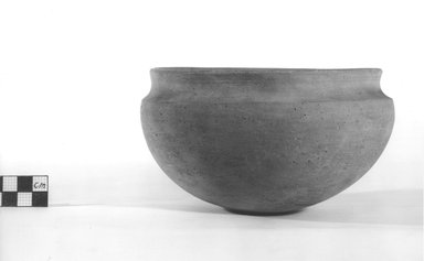 <em>Deep Bowl</em>. Terracotta, Diameter 6 3/8 in. (16.2 cm) to 6 1/2 in. (16.5 cm). Brooklyn Museum, Charles Edwin Wilbour Fund, 09.889.481. Creative Commons-BY (Photo: Brooklyn Museum, CUR.09.889.481_NegA_print_bw.jpg)