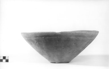 <em>Deep Dish</em>. Terracotta, Diameter 10 1/4 in. (26 cm) to 10 1/2 in. (26.7 cm). Brooklyn Museum, Charles Edwin Wilbour Fund, 09.889.486. Creative Commons-BY (Photo: Brooklyn Museum, CUR.09.889.486_NegA_print_bw.jpg)