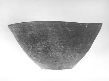 <em>Deep Bowl</em>. Terracotta, Height 4 1/2 in. (11.4 cm); Diameter 8 1/2 in. (21.6 cm) to 8 3/4 in. (22.2 cm). Brooklyn Museum, Charles Edwin Wilbour Fund, 09.889.497. Creative Commons-BY (Photo: Brooklyn Museum, CUR.09.889.497_NegA_print_bw.jpg)