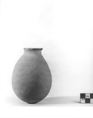 <em>Ovoid Vase</em>, ca. 4400-3100 B.C.E. Terracotta, Height: 1 3/4 in. (4.5 cm). Brooklyn Museum, Charles Edwin Wilbour Fund, 09.889.530. Creative Commons-BY (Photo: Brooklyn Museum, CUR.09.889.530_NegA_print_bw.jpg)