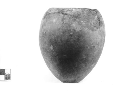<em>Ovoid Shaped Vase</em>, ca. 3800-3300 B.C.E. Clay, 5 1/16 x greatest diam. 4 1/2 in. (12.8 x 11.5 cm). Brooklyn Museum, Charles Edwin Wilbour Fund, 09.889.562. Creative Commons-BY (Photo: Brooklyn Museum, CUR.09.889.562_NegA_print_bw.jpg)