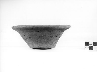 <em>Deep Dish</em>, ca. 4400-3100 B.C.E. Terracotta, Height: 2 1/4 in. (5.7 cm). Brooklyn Museum, Charles Edwin Wilbour Fund, 09.889.766. Creative Commons-BY (Photo: Brooklyn Museum, CUR.09.889.766_NegA_print_bw.jpg)
