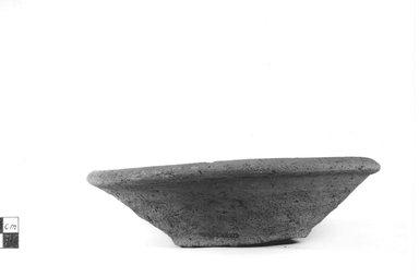 <em>Deep Dish</em>, ca. 3800-3500 B.C.E. Clay, Height: 2 in. (5.1 cm). Brooklyn Museum, Charles Edwin Wilbour Fund, 09.889.774. Creative Commons-BY (Photo: Brooklyn Museum, CUR.09.889.774_NegA_print_bw.jpg)