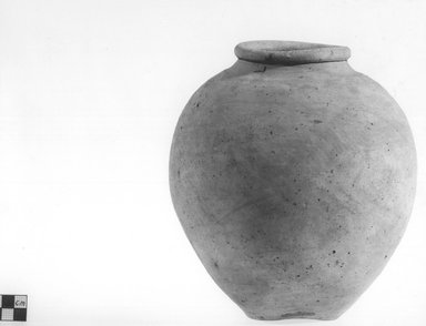 <em>Inverted Pear Shaped Jar</em>, ca. 4400-3100 B.C.E. Terracotta Brooklyn Museum, Charles Edwin Wilbour Fund, 09.889.781. Creative Commons-BY (Photo: Brooklyn Museum, CUR.09.889.781_NegB_print_bw.jpg)