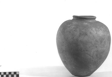 <em>Inverted Pear Shaped Jar</em>. Terracotta Brooklyn Museum, Charles Edwin Wilbour Fund, 09.889.782. Creative Commons-BY (Photo: Brooklyn Museum, CUR.09.889.782_NegA_print_bw.jpg)