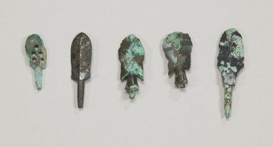 <em>Arrow Head, 1 of Set of 4</em>, 4th century. Bronze, 1 15/16 x 9/16 x 3/16 in. (5 x 1.4 x 0.5 cm). Brooklyn Museum, Museum Expedition 1909, Purchased with funds given by Thomas T. Barr, E. LeGrand Beers, Carll H. de Silver, Herman B. Stutzer, Colonel Robert B. Woodward and the Museum Collection Fund, 09.908.4. Creative Commons-BY (Photo: , CUR.09.903_09.908.1-.4_Collins_photo_NRICH.jpg)