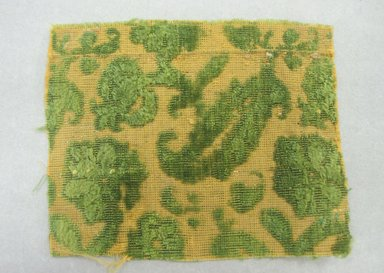 <em>Textile Fragment</em>, 16th century. Silk velvet, 3 1/4 x 4 3/16 in. (8.2 x 10.7 cm). Brooklyn Museum, Purchased by Special Subscription, 11.104. Creative Commons-BY (Photo: Brooklyn Museum, CUR.11.104.jpg)