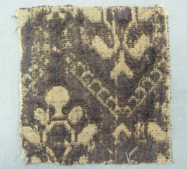 <em>Textile Fragment</em>, 17th century. Silk velvet, 3 1/4 x 3 1/2 in. (8.3 x 8.9 cm). Brooklyn Museum, Purchased by Special Subscription, 11.106 (Photo: Brooklyn Museum, CUR.11.106.jpg)