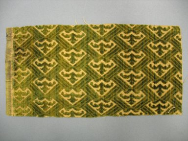 <em>Textile Fragment</em>, 16th century. Cut and voided silk velvet, 4 15/16 x 10 1/4 in. (12.5 x 26.1 cm). Brooklyn Museum, Purchased by Special Subscription, 11.107 (Photo: Brooklyn Museum, CUR.11.107.jpg)