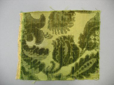 <em>Textile Fragment</em>, 18th century. Cut and voided silk velvet, 7 x 8 1/2 in. (17.8 x 21.6 cm). Brooklyn Museum, Purchased by Special Subscription, 11.109 (Photo: Brooklyn Museum, CUR.11.109.jpg)