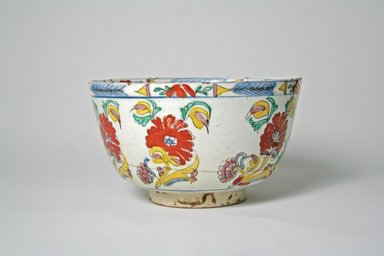 <em>Bowl with Low Straight Foot</em>, 18th century. Ceramic, 4 1/8 x 7 1/16 in. (10.5 x 18 cm). Brooklyn Museum, Museum Collection Fund, 11.31. Creative Commons-BY (Photo: Brooklyn Museum, CUR.11.31_exterior.jpg)