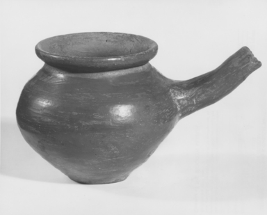 <em>Pot</em>, ca. 2170-2008 B.C.E. Clay, 3 9/16 × 4 1/8 × 6 3/4 in. (9 × 10.5 × 17.1 cm). Brooklyn Museum, Gift of the Egypt Exploration Society, 12.903. Creative Commons-BY (Photo: , CUR.12.903_NegA_print_bw.jpg)