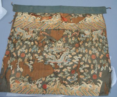 <em>Table Front Hanging</em>, 19th century. Silk, 33 7/8 x 31 7/8 in. (86 x 81 cm). Brooklyn Museum, Museum Expedition 1913-1914, Museum Collection Fund, 14.140. Creative Commons-BY (Photo: Brooklyn Museum, CUR.14.140.jpg)