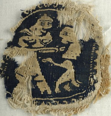 Coptic. <em>Roundel with Hunting Scene</em>, 6th century C.E. Flax, wool, 2 3/4 x 2 3/4 in. (7 x 7 cm). Brooklyn Museum, Gift of the Egypt Exploration Fund, 15.441. Creative Commons-BY (Photo: Brooklyn Museum (in collaboration with Index of Christian Art, Princeton University), CUR.15.441_ICA.jpg)