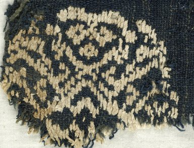 Coptic. <em>Fragment with Geometric Medallion Decoration</em>, 6th century C.E. Flax, wool, 6 x 5 1/2 in. (15.2 x 14 cm). Brooklyn Museum, Gift of the Egypt Exploration Fund, 15.444c. Creative Commons-BY (Photo: Brooklyn Museum (in collaboration with Index of Christian Art, Princeton University), CUR.15.444C_detail01_ICA.jpg)