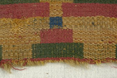 Coptic. <em>Fragment with Geometric Decoration</em>, 5th-6th century C.E. Wool, 3 x 6 in. (7.6 x 15.2 cm). Brooklyn Museum, Gift of the Egypt Exploration Fund, 15.447. Creative Commons-BY (Photo: Brooklyn Museum (in collaboration with Index of Christian Art, Princeton University), CUR.15.447_detail01_ICA.jpg)