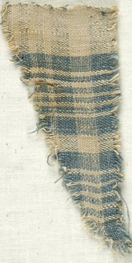 Coptic. <em>Fragment of Plain Cloth Weave</em>, 5th-6th century C.E. Linen, 2 1/4 x 4 1/2 in. (5.7 x 11.4 cm). Brooklyn Museum, Gift of the Egypt Exploration Fund, 15.474e. Creative Commons-BY (Photo: Brooklyn Museum (in collaboration with Index of Christian Art, Princeton University), CUR.15.474E_ICA.jpg)