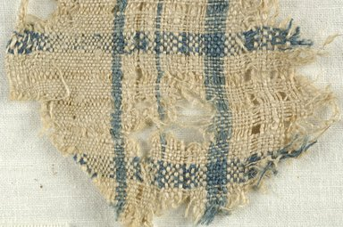 Coptic. <em>Fragment of Plain Cloth Weave</em>, 5th-6th century C.E. Linen, 2 1/2 x 2 3/4 in. (6.4 x 7 cm). Brooklyn Museum, Gift of the Egypt Exploration Fund, 15.474g. Creative Commons-BY (Photo: Brooklyn Museum (in collaboration with Index of Christian Art, Princeton University), CUR.15.474G_detail01_ICA.jpg)