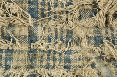Coptic. <em>Fragment of Plain Cloth Weave and Looping</em>, 5th-6th century C.E. Linen, 4 x 5 in. (10.2 x 12.7 cm). Brooklyn Museum, Gift of the Egypt Exploration Fund, 15.474i. Creative Commons-BY (Photo: Brooklyn Museum (in collaboration with Index of Christian Art, Princeton University), CUR.15.474I_detail01_ICA.jpg)