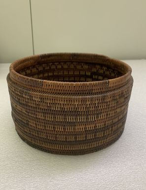 <em>Round Basket with Top</em>. Fiber, 4 1/2 x 7 11/16 in.  (11.5 x 19.5 cm). Brooklyn Museum, Gift of Frank Wood, 15.525.23286. Creative Commons-BY (Photo: , CUR.15.525.23286_base_overall.jpeg)