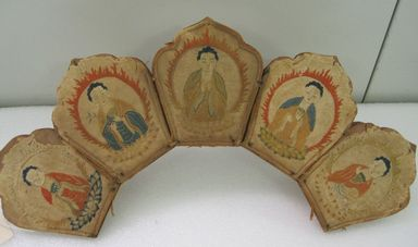 <em>Five Buddha Crown</em>, 18th-19th century. Textile Brooklyn Museum, Brooklyn Museum Collection, 15.58. Creative Commons-BY (Photo: , CUR.15.58.jpg)