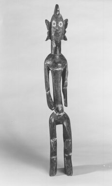 Mumuye. <em>Standing Figure</em>, 20th century. Wood, kaolin, 34 x 4 3/4 x 6 1/2 in. (86.3 x 12.2 x 16.5 cm). Brooklyn Museum, Gift of Marc and Ruth Franklin, 1989.170. Creative Commons-BY (Photo: Brooklyn Museum, CUR.1989.170_print_bw.jpg)