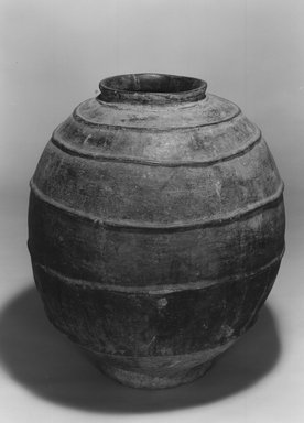 Bozo. <em>Grain Storage Pot</em>, late 19th or early 20th century. Ceramic, 22 1/4 x 21 1/2 in. diameter  (56.5 x 54.6cm). Brooklyn Museum, Caroline H. Polhemus Fund and Caroline A.L. Pratt Fund, 1990.69. Creative Commons-BY (Photo: Brooklyn Museum, CUR.1990.69_print_bw.jpg)