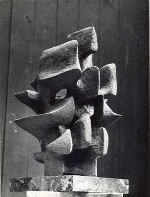 Alicia Penalba (1918-1932). <em>Enfance Apocalyptique</em>, 1959. Bronze, 18 1/2 x 12 x 12 1/2 in. (47 x 30.5 x 31.8 cm). Brooklyn Museum, Bequest of William K. Jacobs, Jr., 1992.107.33. © artist or artist's estate (Photo: Image courtesy of the artist, CUR.1992.107.33_view01_artist_photograph.jpg)