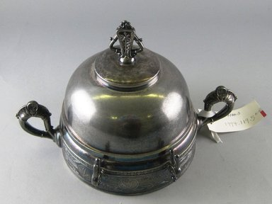 Pairpoint Manufacturing Company (1880-1929). <em>Covered Butter Dish with Liner</em>, ca. 1885. Silverplate, 6 1/8 x 9 1/4 x 6 1/8 in. Brooklyn Museum, Gift of Paul F. Walter, 1994.119.5a-c. Creative Commons-BY (Photo: Brooklyn Museum, CUR.1994.119.5a-c_view1.jpg)