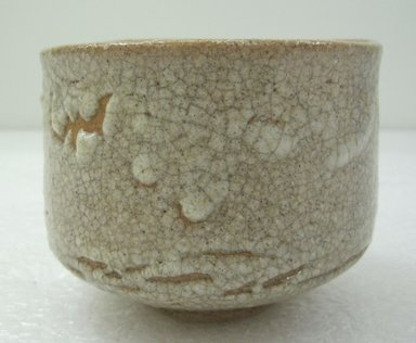 <em>Tea Bowl</em>, mid-19th century. Mino karatsu ware; stoneware, 3 3/8 x 4 1/4 in. (8.5 x 10.8 cm). Brooklyn Museum, Gift of Robert S. Anderson, 1994.188.1. Creative Commons-BY (Photo: Brooklyn Museum, CUR.1994.188.1_side.jpg)