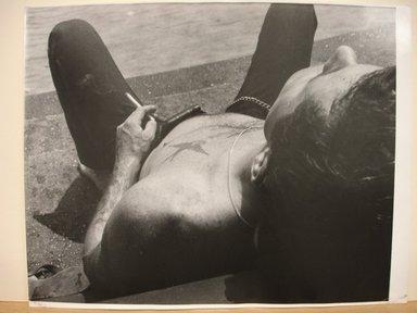 Leon Levinstein (American, 1910-1988). <em>Man with Tattoo of Bird (Washington Square Park)</em>, 1967. Gelatin silver photograph, sheet: 11 × 13 3/4 in. (27.9 × 34.9 cm). Brooklyn Museum, Gift of Stuart Karu, 1995.209.6. © artist or artist's estate (Photo: Brooklyn Museum, CUR.1995.209.6.jpg)