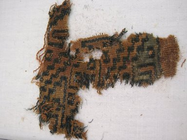 Ica /Palpa. <em>Textile Fragment, Undetermined</em>, 1000-1400. Cotton, camelid fiber, 3 1/8 × 3 1/4 in. (7.9 × 8.3 cm). Brooklyn Museum, Gift of Kay Hodnett Nunez, 1995.47.96. Creative Commons-BY (Photo: , CUR.1995.47.96_view01.jpg)