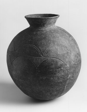 Nupe. <em>Water Storage Vessel</em>, early 20th century. Terracotta, height: 16 3/4 in. (42.5 cm);. Brooklyn Museum, Frank Sherman Benson Fund, 1995.82.1. Creative Commons-BY (Photo: Brooklyn Museum, CUR.1995.82.1_print_bw.jpg)