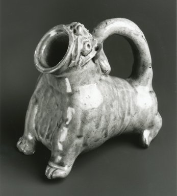 <em>Vessel in the Form of an Animal, Yue Ware</em>, 265-316 C.E. Glazed stoneware, 5 x 5 1/2 x 3 5/8 in. Brooklyn Museum, Gift of George and Katharine Fan, 1996.26.11. Creative Commons-BY (Photo: Brooklyn Museum, CUR.1996.26.11_bw.jpg)