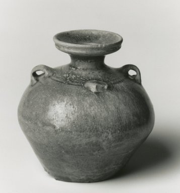 <em>Vase with Flaring Mouth, Yue Ware</em>. Glazed stoneware, height: 3 5/8 in. Brooklyn Museum, Gift of George and Katharine Fan, 1996.26.15. Creative Commons-BY (Photo: Brooklyn Museum, CUR.1996.26.15_bw.jpg)