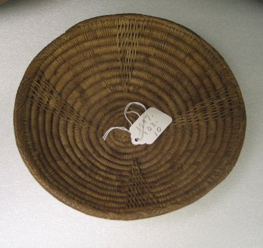 Zulu. <em>Beer Pot Cover (Imbenge)</em>, mid-20th century. Flexible grass, H: 1 7/8 in. (4.8 cm). Brooklyn Museum, Anonymous gift, 1997.103.10. Creative Commons-BY (Photo: Brooklyn Museum, CUR.1997.103.10.jpg)